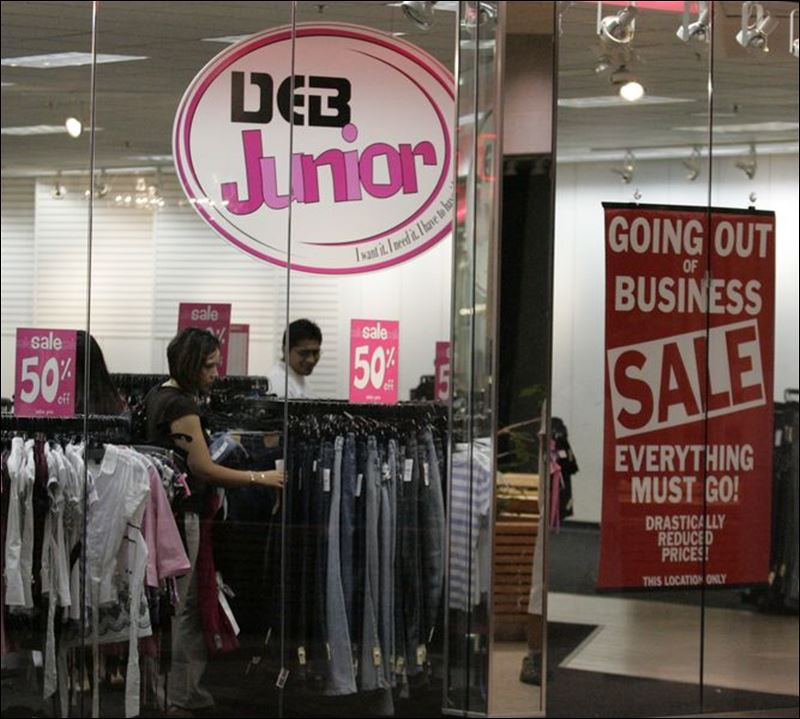 Teen apparel retailers fall out of style in changing retail market