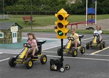 BEEP-BEEP-CHILDREN-LEARNING-HOW-TO-STAY-SAFE-2