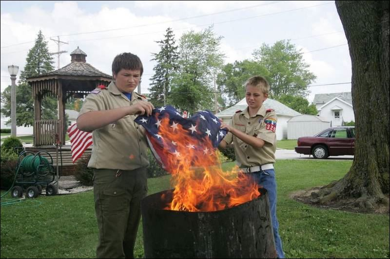disposing of old glory in woodville toledo blade