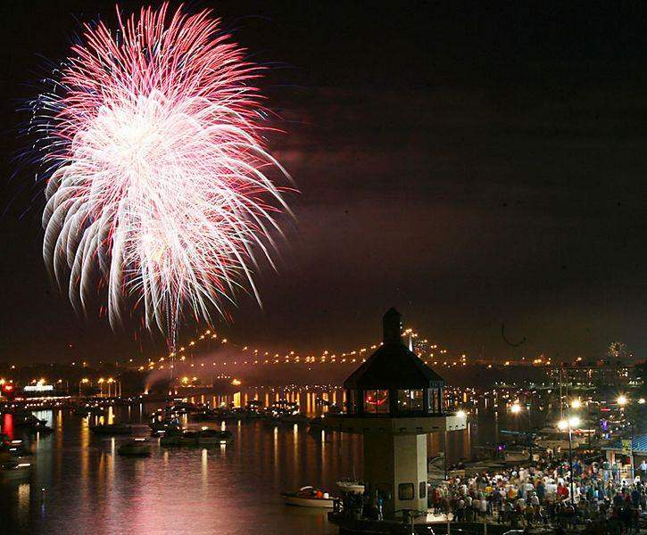 Toledo-fireworks-show-caps-opening-day-of-festival