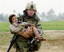 Army-medic-in-Iraq-photograph-shunned-fame