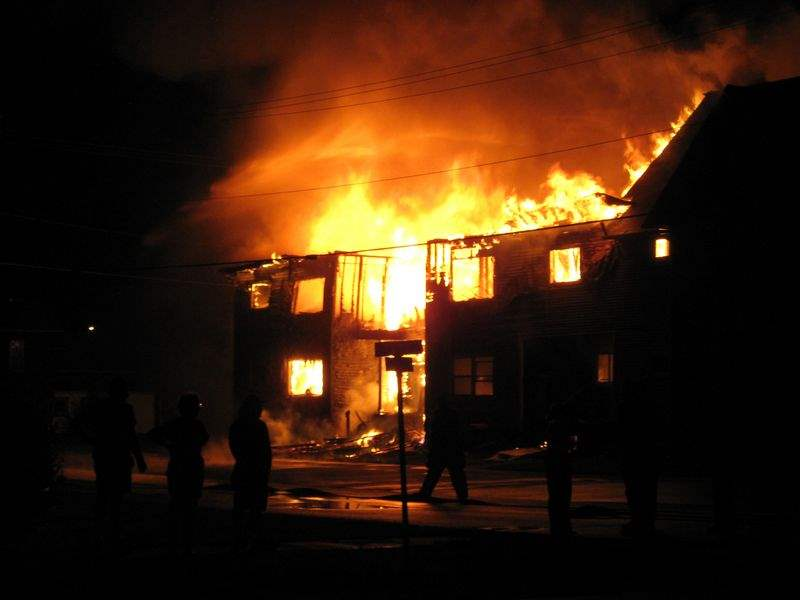 Fire-at-apartment-building-kills-2-in-Weston-about-30-escape-burning-structure