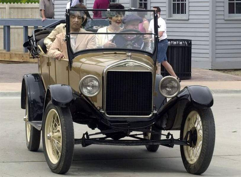 Tin-Lizzie-fans-gear-up-for-big-birthday-Ford-Model-T-hits-century-mark