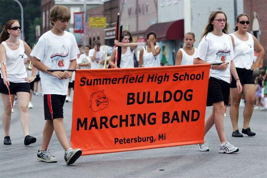 PETERSBURG-PARADES-AS-THE-BAND-PLAYED-ON