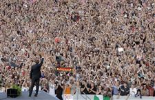 Obama-addresses-huge-adoring-crowd-in-Berlin