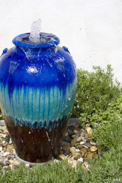 Fountains-Make-a-Big-Splash-in-Your-Garden