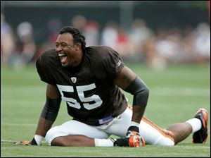 Cleveland linebacker Willie McGinest won three Super Bowl rings with New England but believes his 6-foot-5, 270-pound body can earn a fourth ring and help the Browns win their first.
