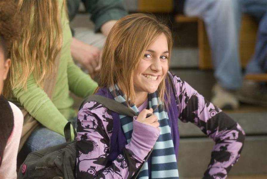 Alyson-Stoner-goes-upside-down-and-straight-to-DVD