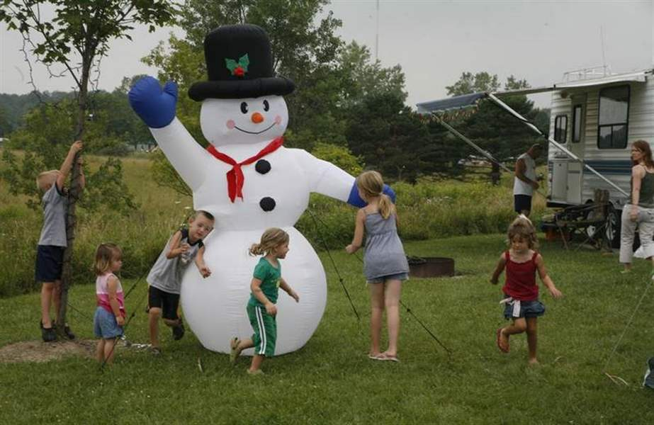 KIDS-WISH-FOR-SNOW-AT-A-CHRISTMAS-IN-JULY