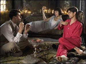 In the new fi lm version of Brideshead Revisited,Matthew Goode, left, as Charles Ryder, Hayley Atwell is Julia Flyte,