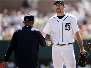 That's all for Justin Verlander, as Detroit skipper Jim Leyland takes the ball from the pitcher, who was shelled yesterday.