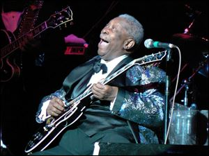 B.B. King performs at the Stranahan Theater.