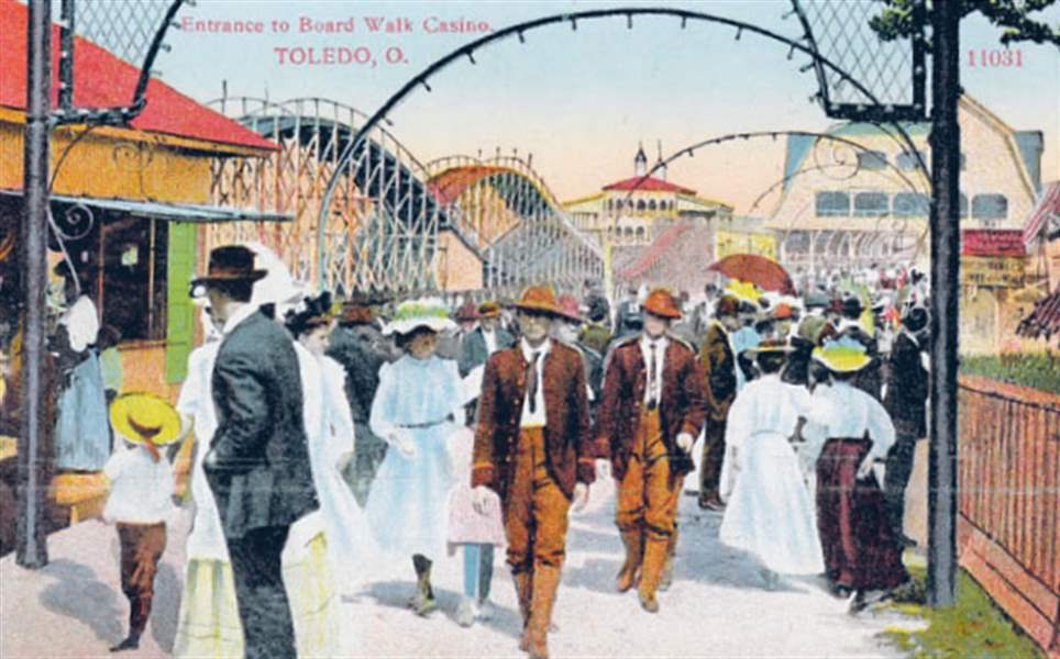 Hundreds-of-postcards-from-Toledo-s-past-are-in-a-new-book-2