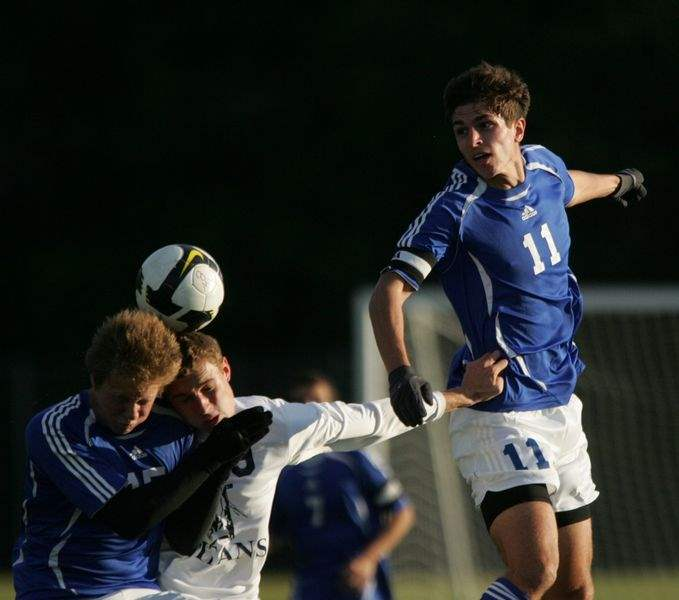 Anthony-Wayne-Northview-live-up-to-soccer-rankings-2