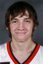BGSU-guard-throws-his-weight-around