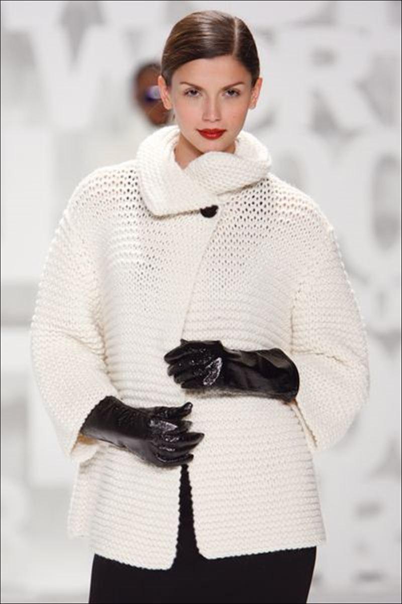 Soft, chunky sweaters warm up winter fashion scene ...