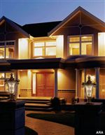 Lighting-Plays-a-Huge-Role-in-Your-Home-s-Curb-Appeal
