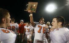 Southview-downs-Medina-Highland-in-a-nail-biter