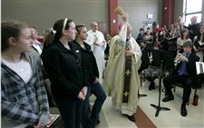 Perrysburg-parish-hall-given-blessing