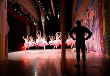 BEHIND-THE-SCENES-OF-NUTCRACKER