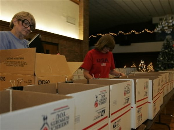 Holiday hugs are on the way to U S  troops   Toledo Blade