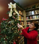 Redone-Summerfield-Petersburg-library-preps-for-holidays-3