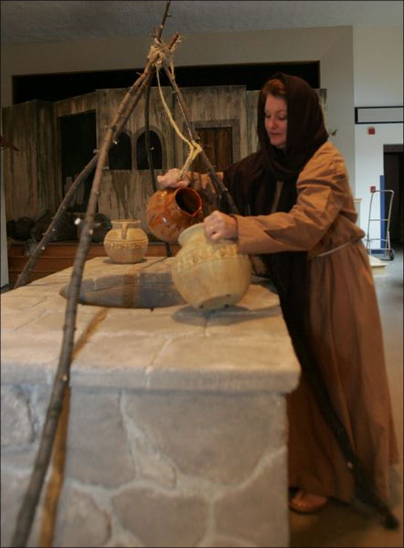 The woman at the well in anight in bethlehem at hope lutheran church