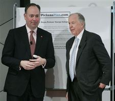 Investor-T-Boone-Pickens-touts-energy-independence-in-Toledo