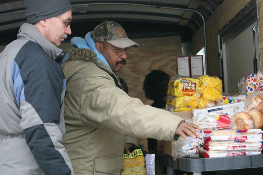 Toledo-area-group-reaches-out-to-needy-with-mobile-pantry