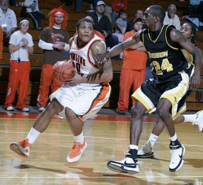 Bowling-Green-men-s-basketball-wins-at-home-struggles-on-road