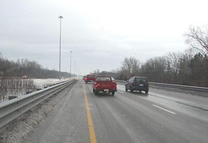 Major-area-expressways-reopen-following-icy-morning-travel-3