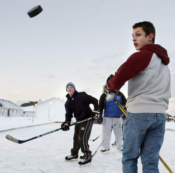 Slapshots-reign-in-backyard-rink-as-play-heats-up-2