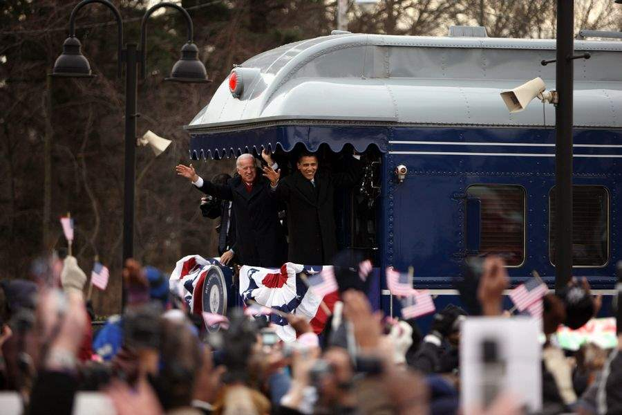 New-leader-rolls-toward-history-Obama-Biden-retrace-1861-Lincoln-route