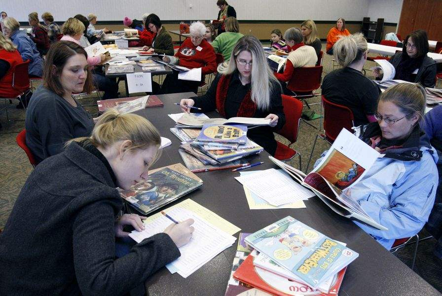 Annual-gathering-at-Toledo-Lucas-County-Public-library-tries-to-predict-Caldecott-winner