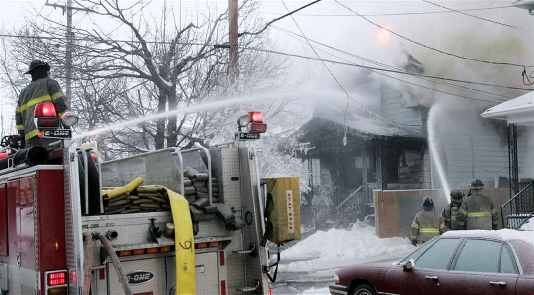 Unattended-cigarette-cause-of-East-Toledo-fatal-blaze-officials-say-4