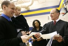 Students-provide-personal-welcome-to-newest-citizens-3