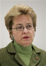 Kaptur-presses-on-to-refocus-stimulus