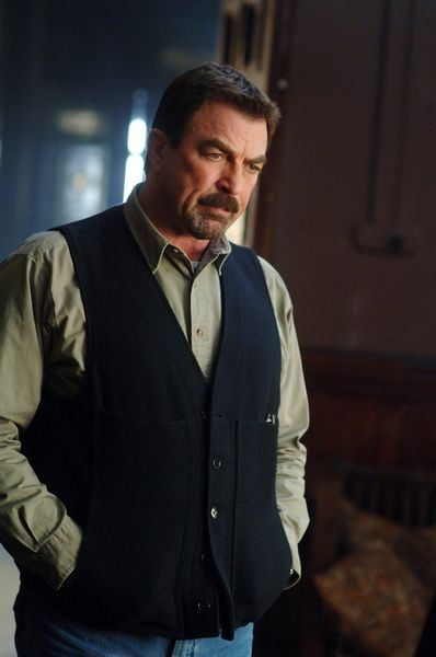 Tom selleck is back for the fifth installment of the jesse - Tom selleck shows ...