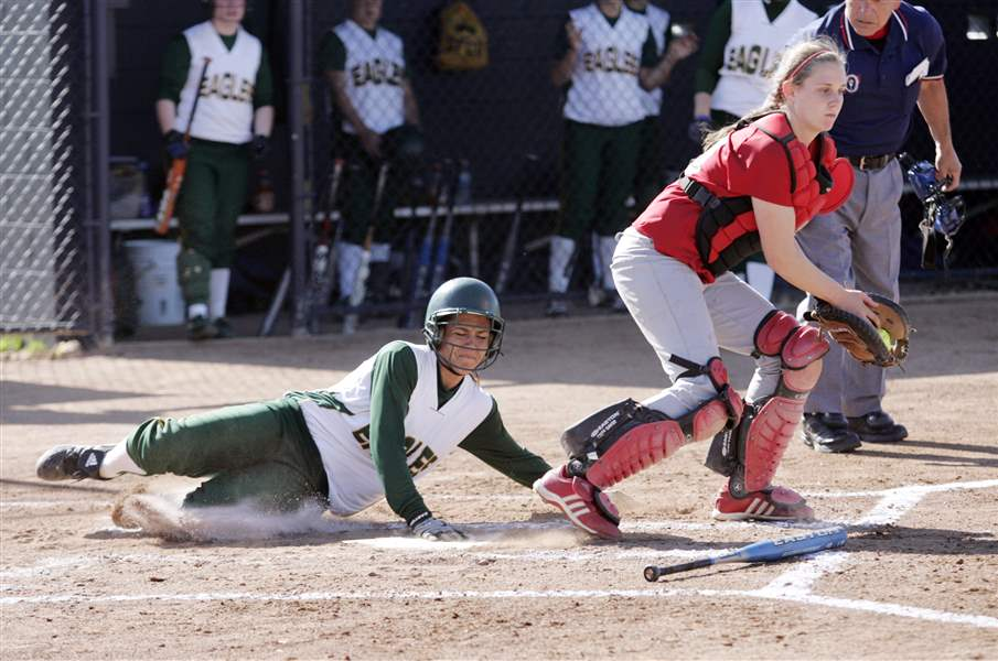 Sidelines-Strong-hitting-propels-Clay-to-CL-title-district-final