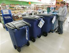 Deadline-near-for-selecting-Toledo-trash-cans
