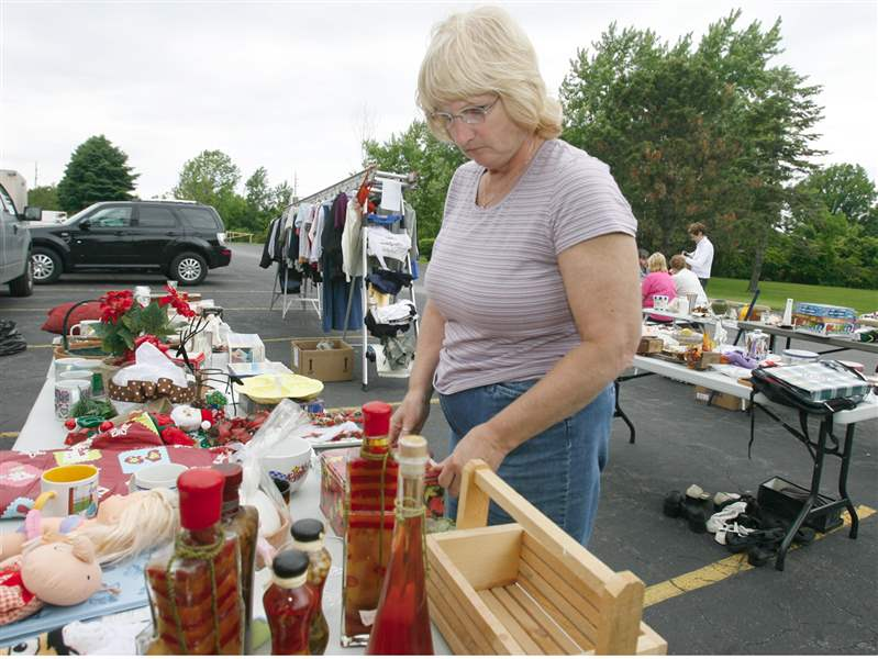 One-big-yard-sale-in-Monroe-2