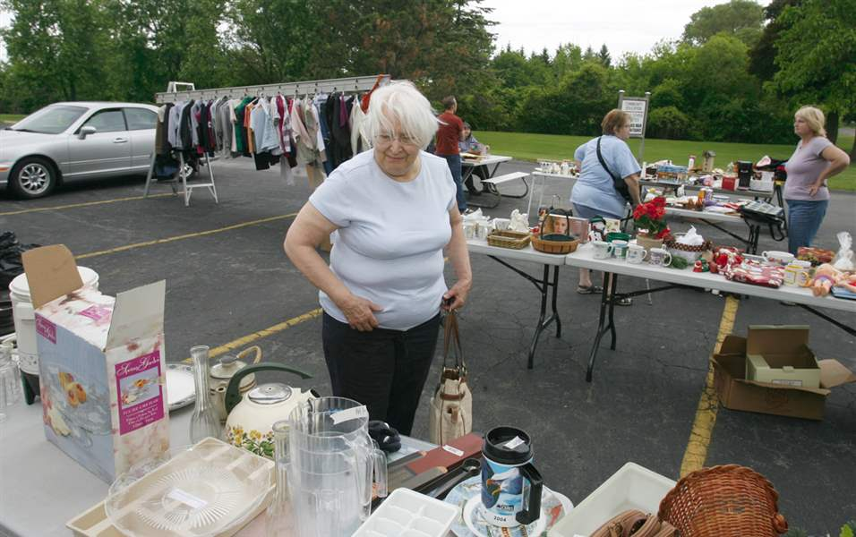 One-big-yard-sale-in-Monroe
