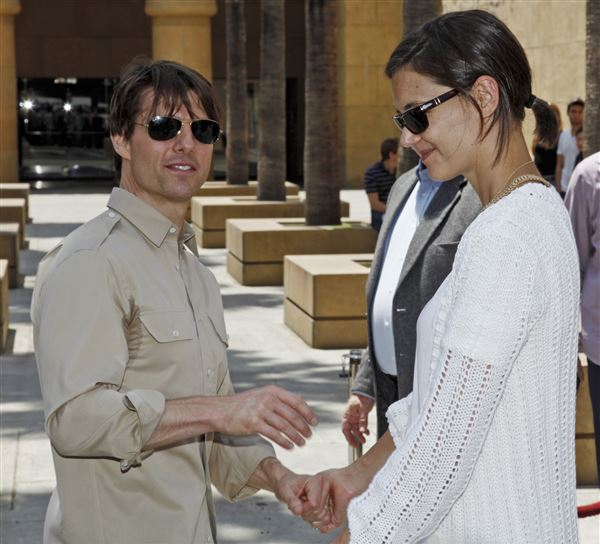 Tom Cruise Katie Holmes: Katie Holmes Celebrates With Cameron Diaz On The Hollywood