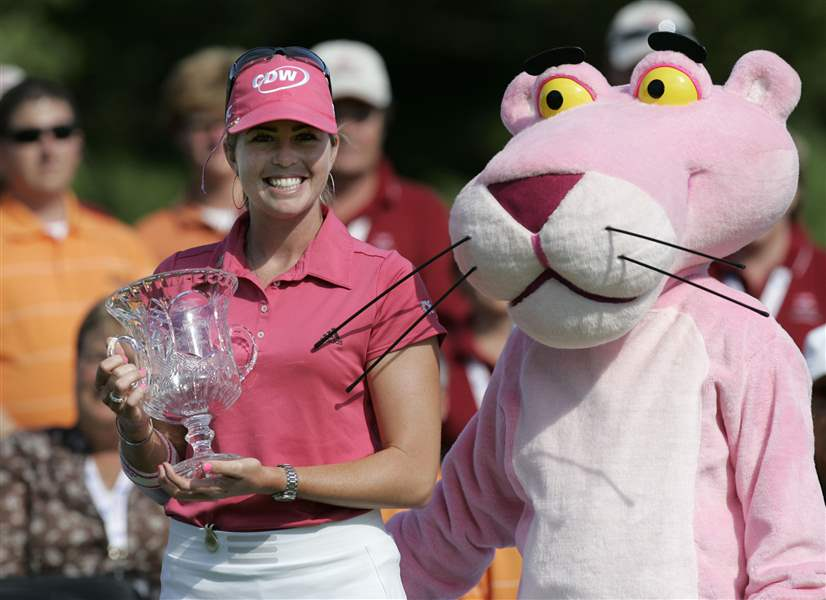 Perfect-in-pink-Creamer-s-first-round-60-propeled-her-to-08-Farr-title