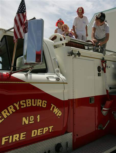 Perrysburg-Township-has-open-house-of-new-fire-station-3