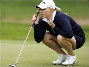 Morgan Pressel shares the Farr tourney lead with Laura Diaz and Song-Hee Kim.