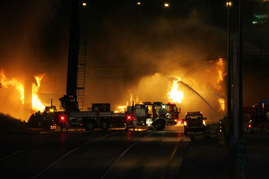 I-75-cleanup-from-fuel-tanker-fire-begins-3