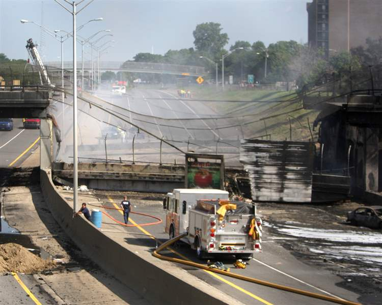 I-75-cleanup-from-fuel-tanker-fire-begins