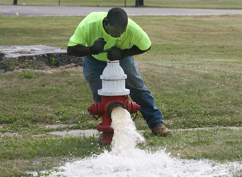 Toledo-hydrant-inspections-come-under-scrutiny