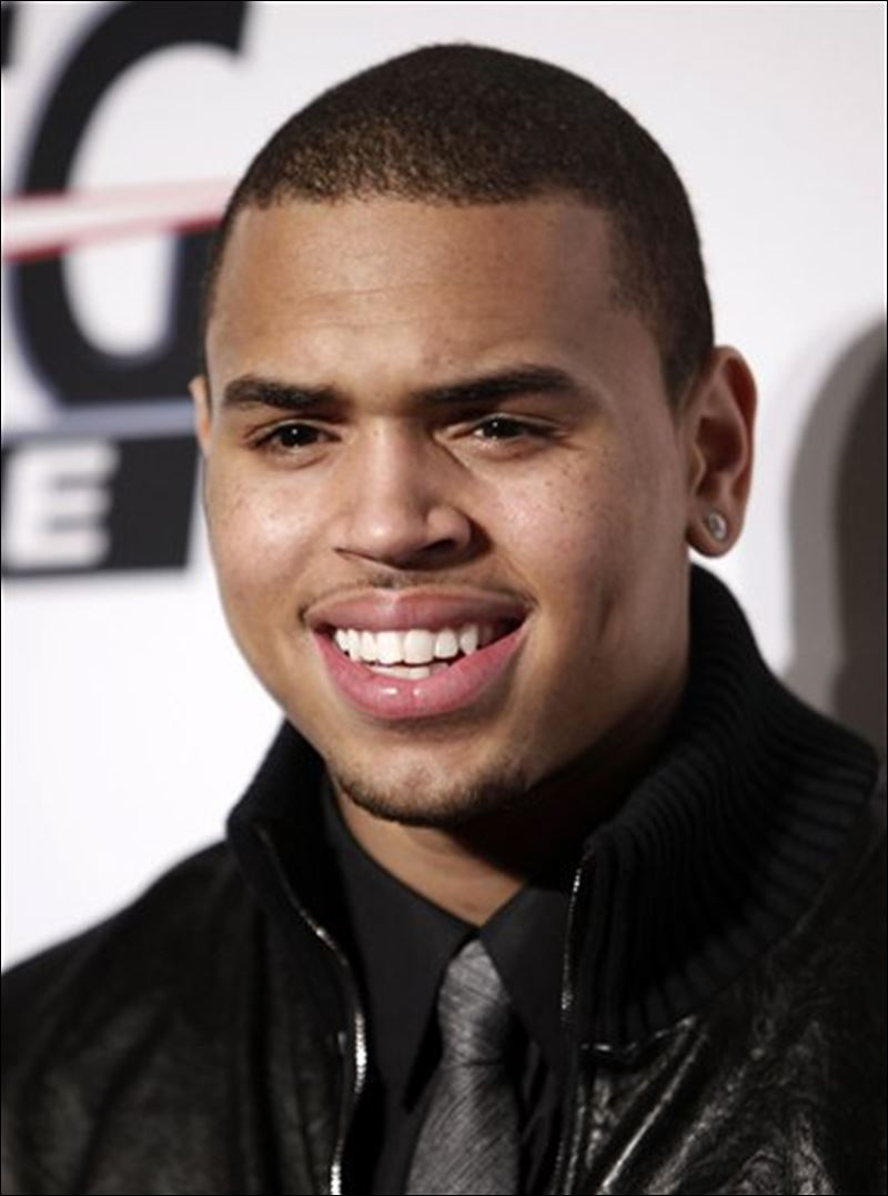 Chris Brown Apologizes For Rihanna Beating